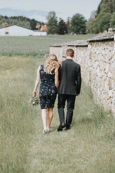 Top Wedding Trends, Bridesmaid Gifts, Wedding Accessories, Wedding Ceremony, Wedding Decorations, Groom, Wedding Inspiration, Wedding Photography, Couple Photos
