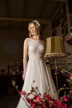 MICHAL MEDINA  - מיכל מדינה מעצבת שמלות כלה, טלפון: 072-3317203  white dress | MICHAL MEDINA  2018 | wedding gown | MICHAL MEDINA  | wedding dress | new collection 2018 | bridal fashion | שמלות כלה קולקציית 2018 | שמלת כלה | שמלת כלה מיוחדת | שמלת כלה רומנטית | שמלות כלה 2018 | שמלת כלה סקסית | מיכל מדינה שמלות כלה | מיכל מדינה שמלות כלה קולקציית 2018