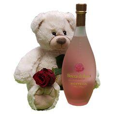 Quality Fruit Baskets. Beer 4  Knuffel 45 cm Grote witte knuffelbeer met rode roos en een heerlijke fles likeur Bocca di Rosa 0.5 L Deze beer is ongeveer 45cm heerlijk zacht en van een goede kwaliteit! Met deze beer maak je een verpletterende indruk