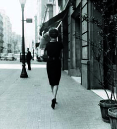 "Balmes Street, 1958 / By Leopoldo Pomés @ Foto Colectania Exposición: ""Leopoldo Pomés. Barcelona, 1957"""