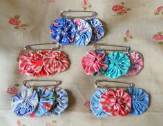 Vintage feedsack Suffolk Puffs made into brooches
