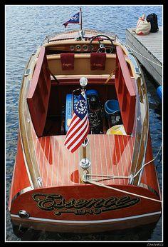 Essence - Antique & Classic Boat Show 2009, Gravenhurst, Ontario...