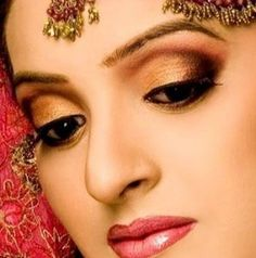 Attractive Bridal Make up