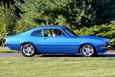 The Unruly Maverick: Glenn Sinon's Ford Maverick Breaks the Mold Ford Maverick, Custom Muscle Cars, Custom Cars, 2005 Mustang, Custom Street Bikes, Trucks And Girls, Vans, Car Ford, Ford Motor Company
