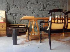 #mercadoloftstore #umseisum #porto #canapé #almofada #wood #style #unique #matchingtable #table #mesa #sidetable #materials #decor #decoração #interior #interiordesign #furniture #mobiliário