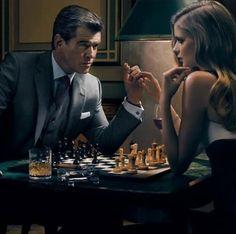 Pierce Brosnan     www.gentlemans-essentials.com