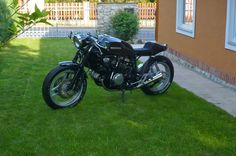 - Czech Cafe racers  -honda vf750 sabre