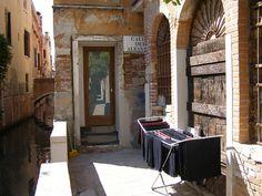 Calle dei Albanesi-Venice