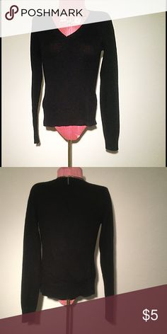 Clearance!!! Black V-Neck Sweater Used but good condition. Slight pilling but otherwise wearable. Old Navy Sweaters V-Necks