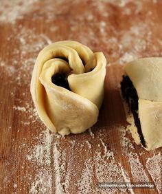 Ružice s makom — Coolinarika Bread And Pastries, Dessert Recipes, Desserts, Stuffed Mushrooms, Ice Cream, Cookies, Baking, Vegetables, Food