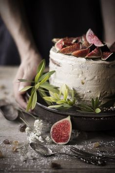 Figs and cream cake Mediterranean Recipes, Cream Cake, Food Design, Beautiful Cakes, My Recipes, Food Art, Tea Time, Delicious Desserts, Cheese