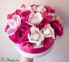 Nagy pink virágdoboz (Decoflor) - Meska.hu Pink, Rose, Flowers, Plants, Plant, Roses, Pink Hair, Royal Icing Flowers, Flower