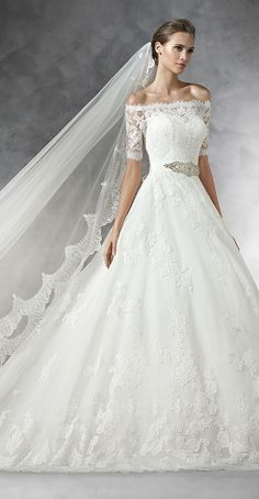 Pronovias 2016 Wedding Dress Love this Bodice with a narrow skirt/train and lose the belt!