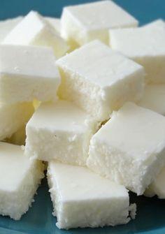 """Przepis - lekkie i kokosowe ptasie """"mleczko"""" w wersji jogurtowej"""