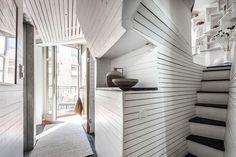 17m2-es mini lakás elképesztően ötletesen berendezve, okos megoldásokkal többszörözve a kis területet P2