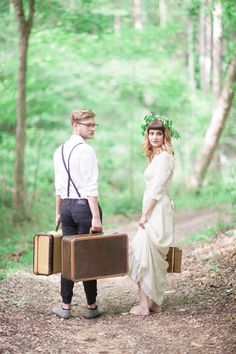 Bride and groom Woodland Bohemian Elopement Inspiration  | Photography : leanicole.com | http://www.fabmood.com/saja-wedding-dress-bohemian-elopement-inspiration: