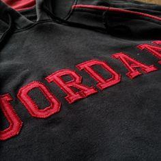 Vintage Jordan hoodie Size L 8/10 65$ shipped Wa : +62-82261680430