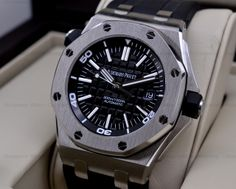 European Watch Company: Audemars Piguet Royal Oak Offshore Diver....Automatic AP Caliber 3120 (Power Reserve 60 Hours)!!!