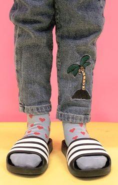Slide Sandals, Leg Warmers, Socks, Sweatpants, Legs, Fashion, Sandals, Leg Warmers Outfit, Moda