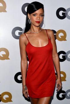 Rihanna Photos - Singer Rihanna arrives at the GQ Men of the Year Party at Chateau Marmont on November 2012 in Los Angeles, California. - GQ Men Of The Year Party - Arrivals Mode Rihanna, Rihanna Style, Rihanna Fenty, Rihanna Baby, Rihanna Fashion, Photos Rihanna, Rihanna Outfits, Nicki Minaj, Vestidos