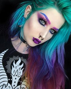 24 blue and purple hair looks that will amaze you 34 Goth Beauty, Hair Beauty, Piercing Girl, Normal Makeup, Crazy Makeup, Beyonce Blonde, Arctic Fox Hair Color, Coloured Hair, Pinterest Hair