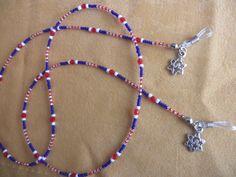 Gözlük İpi Beaded Jewelry Designs, Wire Jewelry, Jewelery, Beaded Shoes, Beaded Lanyards, Neck Chain, Eyeglass Holder, Beaded Necklace, Jewelry Making
