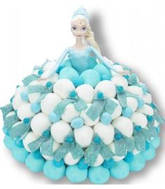 La Reine des Neiges - Gâteau de bonbons Bday Girl, Boy Birthday, Birthday Cake, Frozen Theme Party, Frozen Birthday Party, Candy Bar Frozen, Torta Candy, Candy Kabobs, Stella Rose