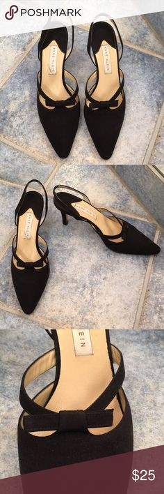 Anne Klein black slingback heels Beautiful lightly worn black slingback heels. Closed pointed toe with a bow. Anne Klein Shoes Heels