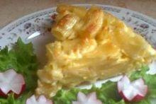 Zapečeni makaroni sa sirom       N.N. - 15.05.2012 20:02  Potrebni sastojci:  500 g makarona  500 g sira  5 jaja  170 ml mlijeka  malo ulja  malo soli  Način pripreme:  1. Skuhajte makarone u posoljenoj vodi.  2. Umutite jaja, dodajte izgnječen sir, mlijeko, 3 kašike ulja i posolite malo ako sir nije dovoljno slan.  3. Sipajte preliv u procijeđene makarone i dobro promiješajte.  4. Tepsiju malo namažite uljem, pa sipajte pripremljene makarone.  5. Zapecite u rerni zagrijanoj na 200 C 30…