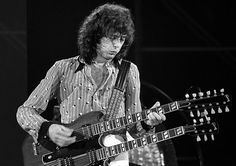 Led Zeppelin Pictures, Jimmy Page Photos - Photo Gallery: Jimmy Page