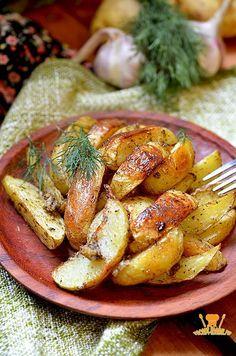 Приготовить картофель по-деревенски в духовке легко, подробный рецепт и секреты приготовления вам помогут.