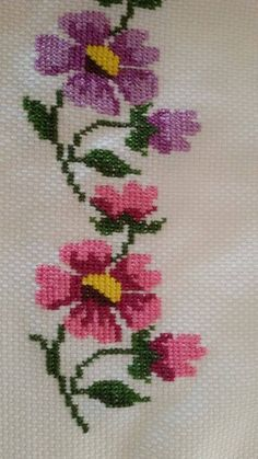 This Pin was discovered by Ayn Cross Stitch Bookmarks, Just Cross Stitch, Cross Stitch Borders, Cross Stitch Flowers, Cross Stitch Designs, Cross Stitching, Cross Stitch Embroidery, Hand Embroidery, Cross Stitch Patterns