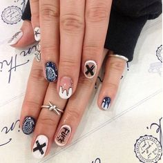 Nail Art ✨ #nails #manicure #nailart #naikbeauty #naildesign #nailfashion #nailpolish #nailstyle #nastagram #punkrock #punk #rock #rocker #goth #gothic #scene #emo #grunge #tumblr #blog #blood #rings #sick #fashion #style #follow #followme