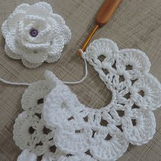 Discover thousands of images about Best 11 Crochet Flowers – FREE Crochet Flower Patterns – SkillOfKing. Crochet Flower Tutorial, Crochet Flower Patterns, Crochet Motif, Crochet Flowers, Crochet Lace, Crochet Stitches, Knitting Patterns, Diy Crafts Crochet, Yarn Crafts