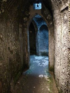 In 1835 Mr James Newlove lowered his young son Joshua into a hole in the ground that had appeared during the digging of a duck pond. Joshua emerged describing tunnels covered with shells. He had discovered the Shell Grotto; 70ft of winding underground passages leading to an oblong chamber, its walls decorated with strange symbols mosaiced in millions of shells.
