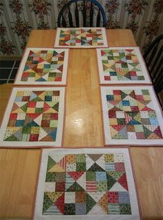 63 ideas patchwork easy mug rugs for 2019 Patchwork Quilt, Patchwork Table Runner, Table Runner And Placemats, Table Runner Pattern, Quilted Table Runners, Quilt Placemats, Small Quilts, Mini Quilts, Christmas Placemats