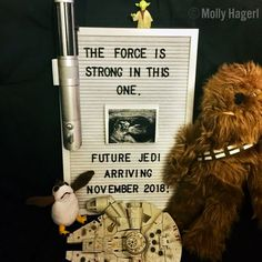 Our pregnancy announcement on May the Star Wars pregnancy announcement Ma. - Our pregnancy announcement on May the Star Wars pregnancy announcement May the be with y - Star Wars Baby, Uñas Star Wars, Star Wars Gifts, Baby Shower Gender Reveal, Baby Gender, Pregnancy Announcement To Parents, Disney Baby Announcement, Pregnancy Ultrasound, Pregnancy Belly