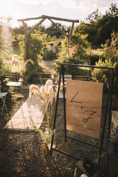 A secret garden micro wedding. Photo: @laurenelliottweddings Garden Wedding, Dream Wedding, Edinburgh City Centre, Stationary Design, Sweetheart Table, Couple Portraits, Herb Garden, Getting Married, Wedding Styles