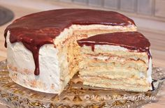 Manus kitchen whisper: Hinterberger house cake – Pastry World Baking Recipes, Cake Recipes, Dessert Recipes, Cake Cookies, Cupcake Cakes, Pie Co, German Baking, German Cake, House Cake
