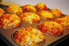 Brunch Recipes Ham and cheese muffins Muffin Recipes, Pizza Recipes, Grilling Recipes, Brunch Recipes, Baking Recipes, Breakfast Recipes, Snack Recipes, Breakfast Pizza, Pizza Muffins