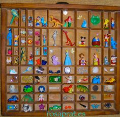 Viejo cajón con juguetes pequeños,  recuerdos con reciclaje... Advent Calendar, Toys, Holiday Decor, Ideas, Home Decor, Recycling, Souvenirs, Art, Activity Toys