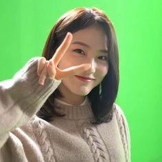 Baekhyun Wallpaper, Hana, Teen, Random, Hair Styles, Boys, Girls Girls Girls, Korean Drama, Bedroom