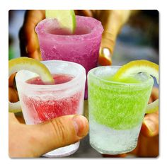 This Ice Shot Glass Mold you can make your own shot glasses made of ice! Made of pure food-grade silicone rubber, just fill with water or juice, then place in freezer! Pops out 4 fully-formed frozen shot glasses! New Year's Drinks, Party Drinks, Wine Drinks, Alcoholic Drinks, Party Shots, Fruit Party, Healthy Drinks, Cold Drinks, Tequila