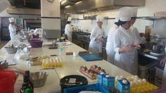 Alumnos de pastelería intermedia