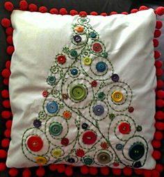 Crochet christmas pillow beautiful ideas for 2019 Homemade Christmas, Christmas Crafts, Christmas Decorations, Christmas Ornaments, Christmas Tree, Christmas Shirts, Tree Decorations, Christmas Buttons, Christmas Sewing