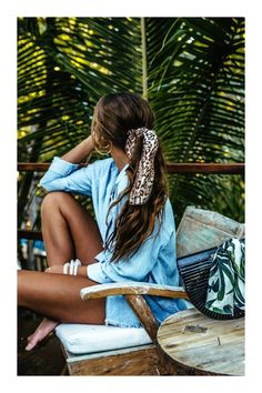 Pin by happygolicky jewelry on the best boho jewelry, bohemi Chic Hairstyles, Scarf Hairstyles, Elegant Hairstyles, Womens Fashion Online, Latest Fashion For Women, Super Moda, Easy Style, Twist Headband, Trendy Swimwear