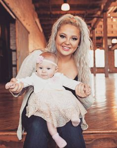 "Young and Pregnant "" Jade and Sean possibly split… Teen Mom 1, Girls Dresses, Flower Girl Dresses, Reality Tv, Mtv, Jade, Wedding Dresses, Celebrities, Fashion"