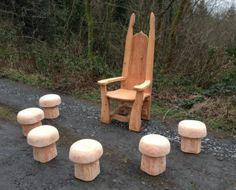 story-chair-with-mushrooms