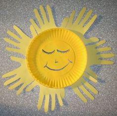 Hand Print Sun  http://mommylounge.wordpress.com/2008/07/30/you-are-my-sunshine/