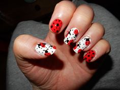lady bug- nails/lieveheersbeestje nagels